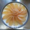 夏の手作り誕生日ケーキ、桃缶のムースにラズベリーゼリーがけ。
