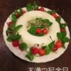 夏の手作り誕生日ケーキ、エンゼル型で簡単ヨーグルトムース+さくらんぼ。